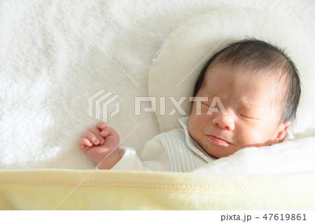 a9cca6c042366 子供 赤ちゃん 新生児 寝顔の写真素材 - PIXTA